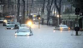 Maltempo centro-Italia: due morti, fiumi esondati e persone sui tetti - ULTIMI AGGIORNAMENTI