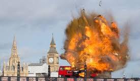 Londra, esplode bus vicino Big Ben. Ma è solo la scena di un film - Video -
