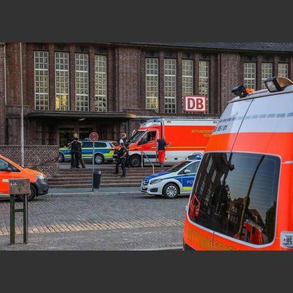 Germania, aggressione con coltello sul treno: 1 morto e 2 feriti