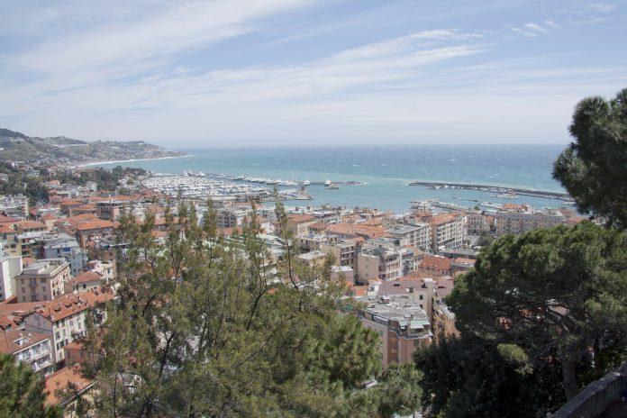 Premio Tenco, Ariston di Sanremo (Riviera dei fiori)