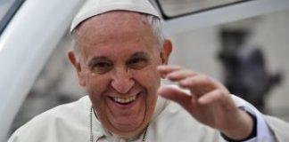 Papa Francesco contro le persecuzioni sui cristiani