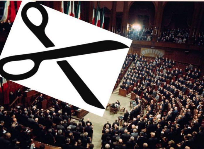 TUTTI A CASA: c'è la legge-Napalm che manda a lavorare 345 parlamentari