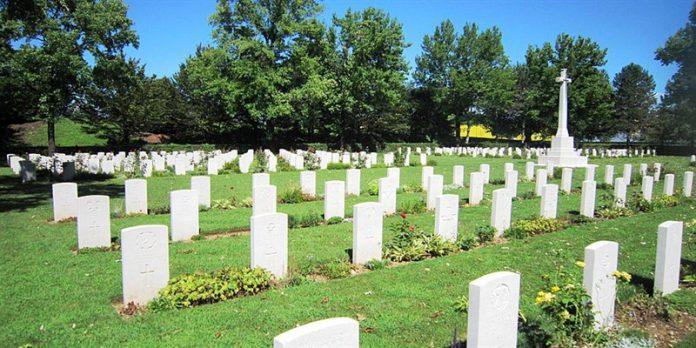 Donna uccisa mentre torna dal cimitero