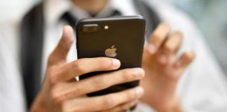 Il nuovo iPhone potrebbe avere tre fotocamere