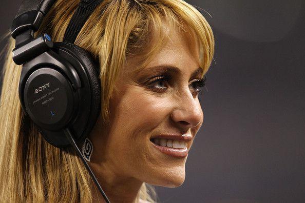Inès Sainz: chi è la giornalista più sexy dei mondiali calcio2014?
