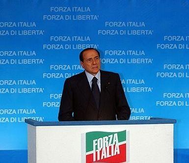 Berlusconi azzera i vertici. Giovanni Toti fuori