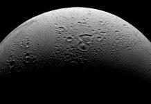 Encelado: molecole organiche emesse dai geyser della luna