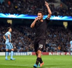 Champions League:  Roma e Psg promossi