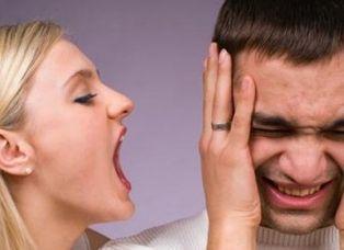 La voce femminile danneggia il cervello dell'uomo