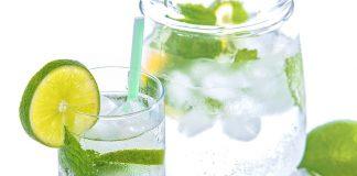 Miti da sfatare sull'acqua e limone