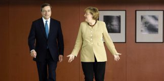 """La Merkel a Draghi: """"Sull'austerità hai cambiato idea?"""""""