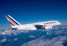 Bambina nascosta in un bagaglio a mano sul volo dell'Air France