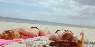 Scottature solari: 5 rimedi naturali per dare sollievo e rigenerare la pelle