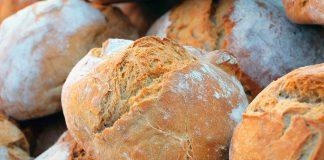 Pane senza impasto cotto nella pentola