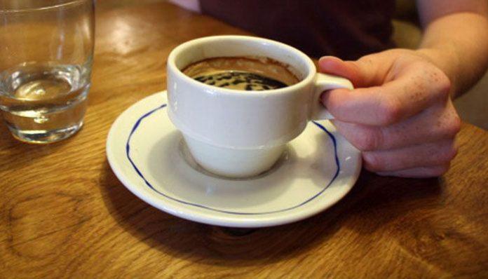 il caffè al mattino perde peso