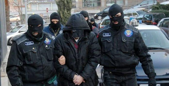 Blitz al clan nisseno: 17 arresti per estorsione e droga