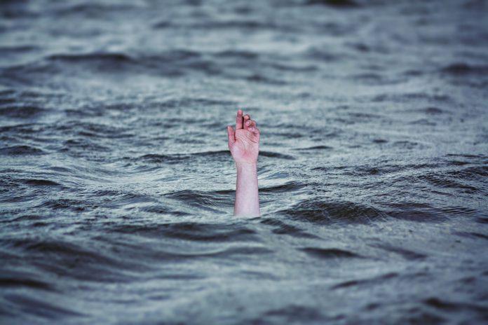 Foto shock: papá e figlia migranti morti annegati