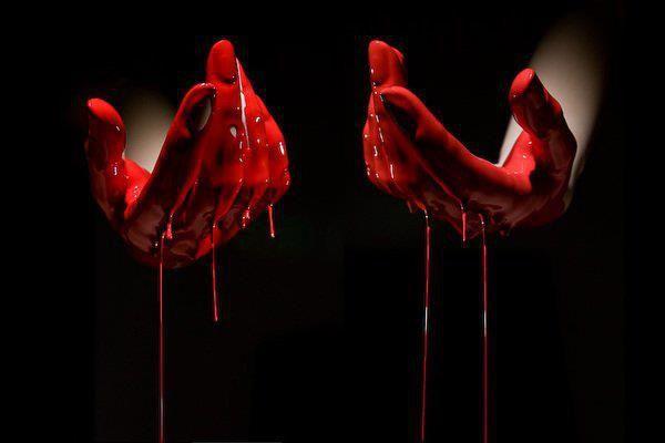 Agghiacciante cannibalismo: mangiano neonato morto trafugato dal cimitero