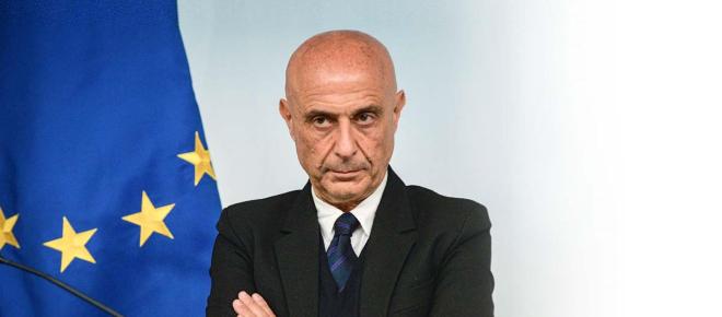 Il ritiro di Minniti e le accuse a Renzi