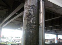 Pilastro fradicio e pericoloso a Casoria