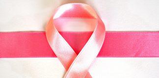 Una spilletta per sostenere la ricerca. Ottobre mese di prevenzione del tumore al seno