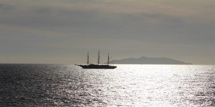 Situazione critica per i migranti a bordo della
