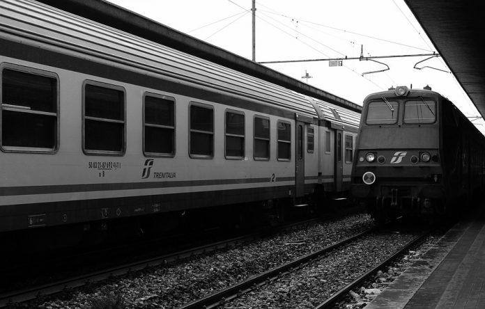Treni nel caos in tutta Italia
