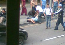 Venezuela: donna partorisce in strada