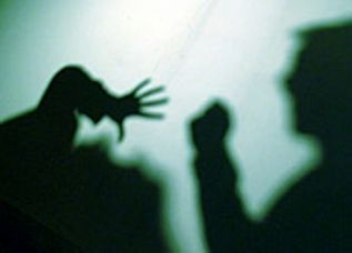 Torture e violenze fisiche per un ragazzo di 12 anni