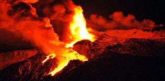 Vulcano Mayon Filippine: continua l'eruzione